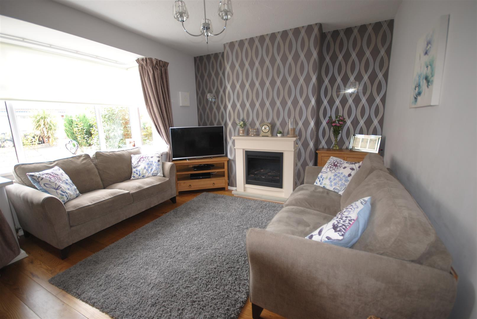3 Bedrooms Semi Detached House for sale in Dicconson Street, Wigan